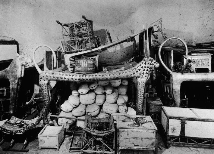 Zum Inhalt des Grabes von König Tutanchamun gehörten 48 Holzkisten mit mumifiziertem Fleisch für den Verzehr, ...