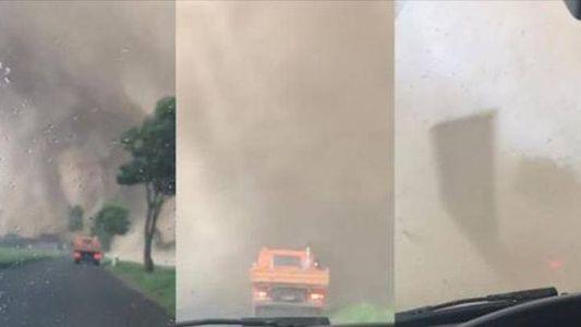 Mit dem Auto durch einen Tornado