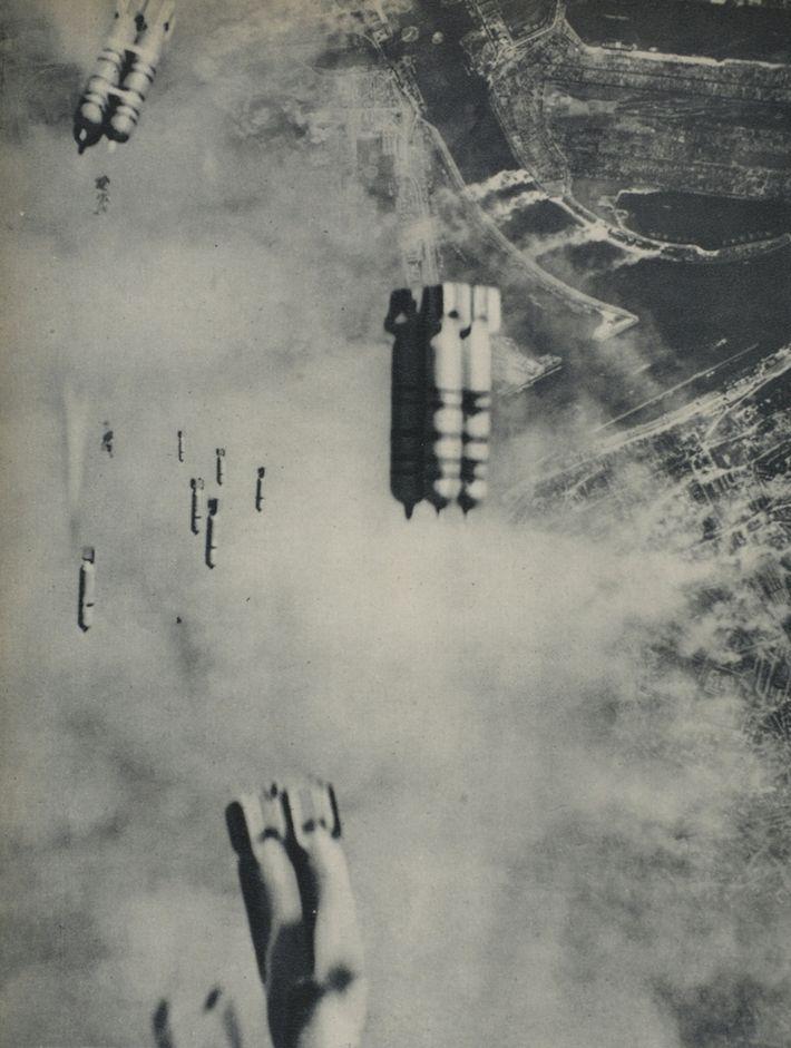Neben regulären Sprengstoffen warfen die Briten und US-Amerikaner auch Brandbomben über ihren Zielen ab. Diese enthielten ...