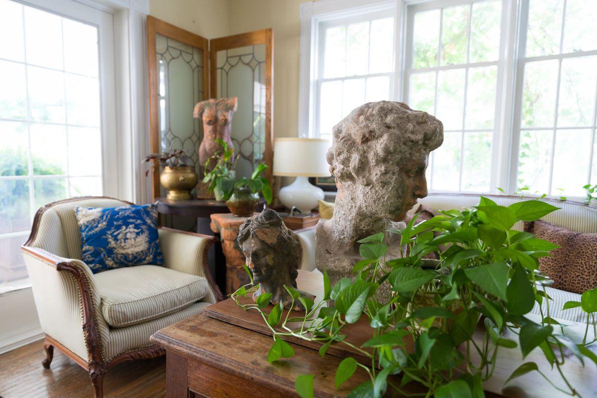 Die Inneneinrichtung von Elora's White Garden zeugt von der hundertjährigen Geschichte des Hauses im Herzen Eloras, ...