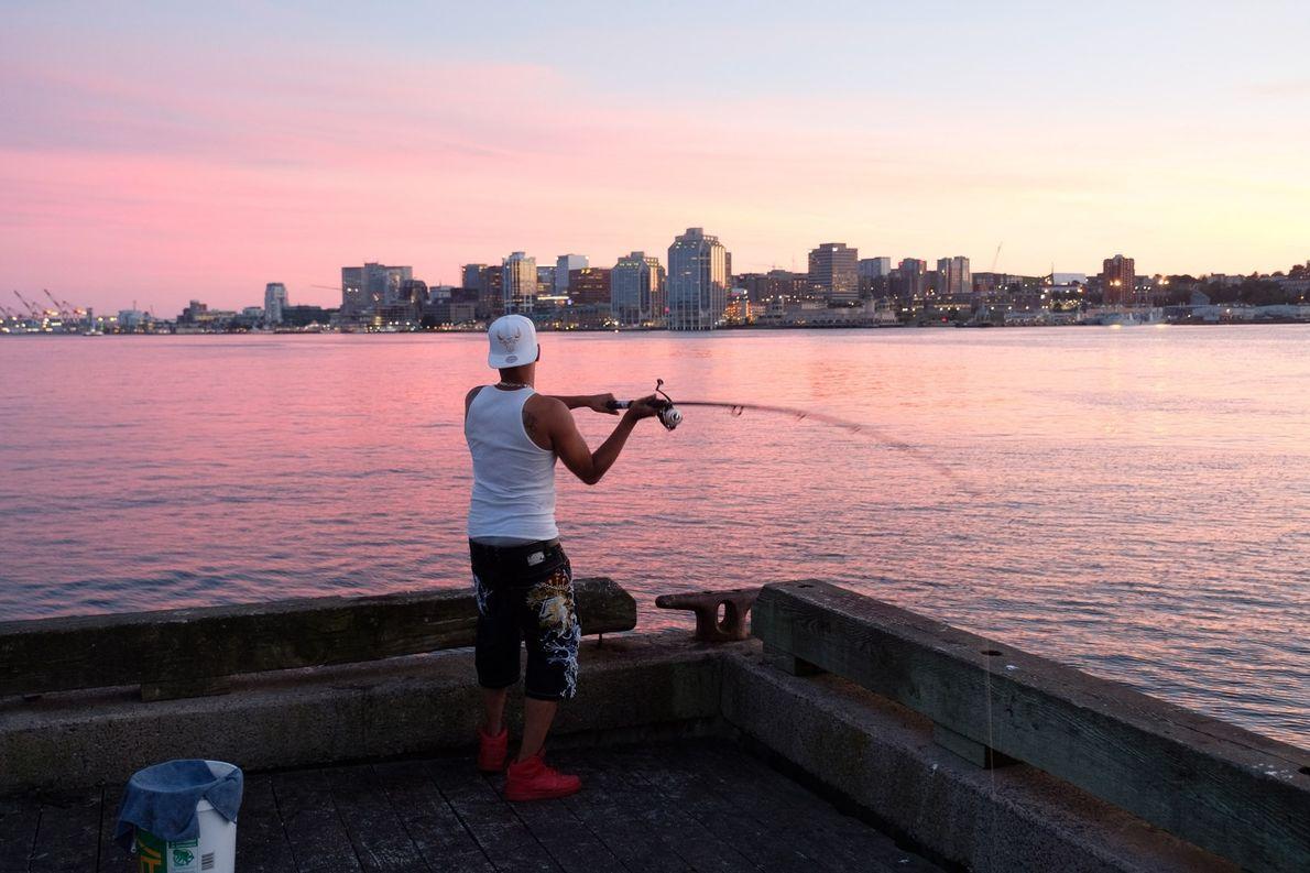 Der beste Ort, um in Halifax den Sonnenuntergang zu betrachten, ist das Hafenviertel von Dartmouth, das ...