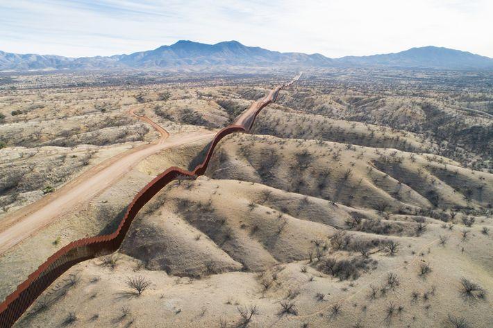 Mexikanische Seite der Grenzmauer