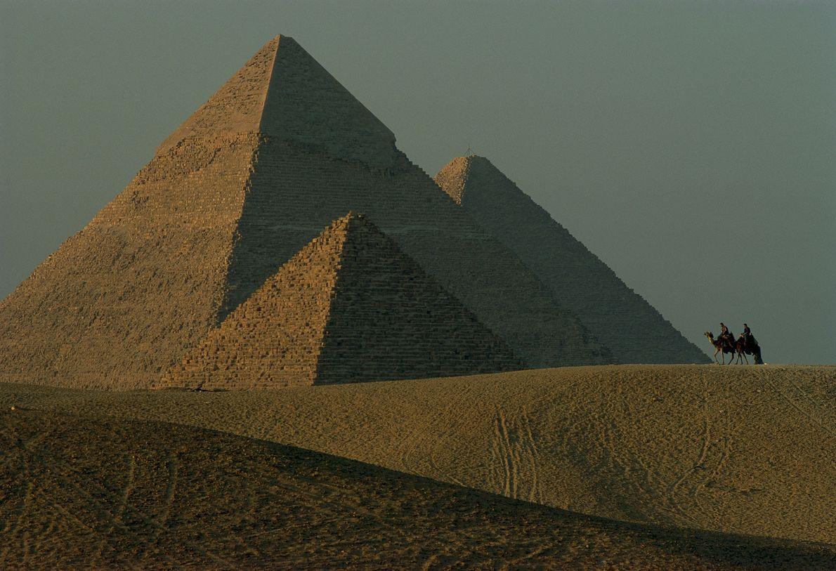Blick auf die Pyramiden von Gizeh.
