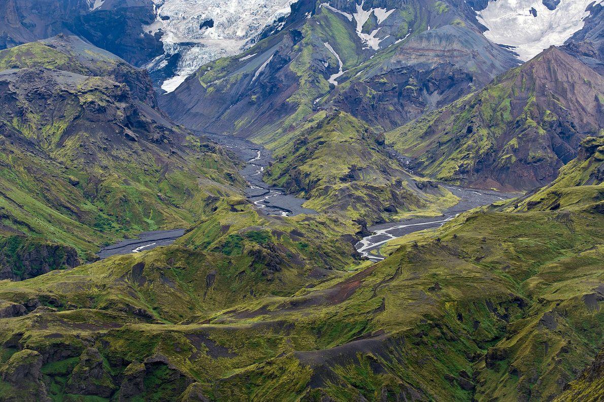 Foto der Thorsmork Mountain Ridge, der die Mýrdalsjökull Gletscherzunge überblickt, Island, Europa