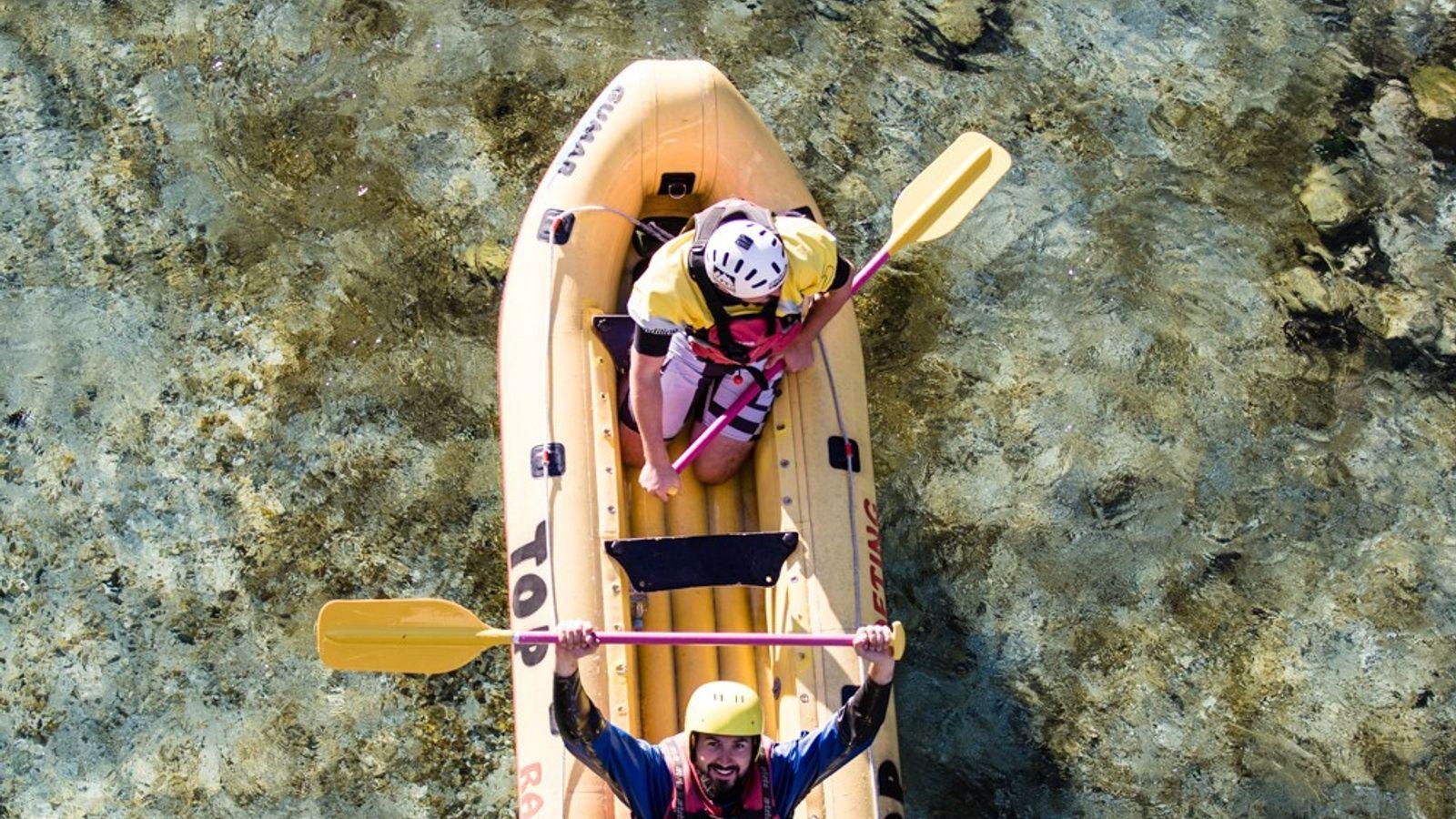Der National Geographic-Fotograf Ciril Jazbec am Ende seiner Raftingtour auf der Soča.