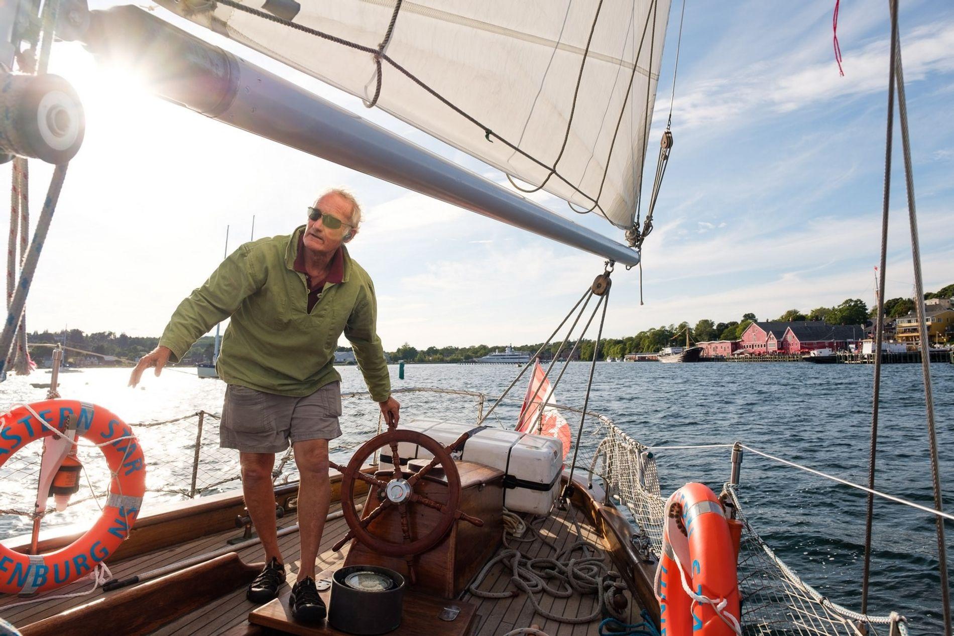 Eine Sunset Cruise auf der Eastern Star mit Keith Merrill. Touristen können sowohl tagsüber als auch ...