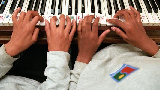 Musikunterricht hält das Gehirn noch nach Jahrzehnten fit
