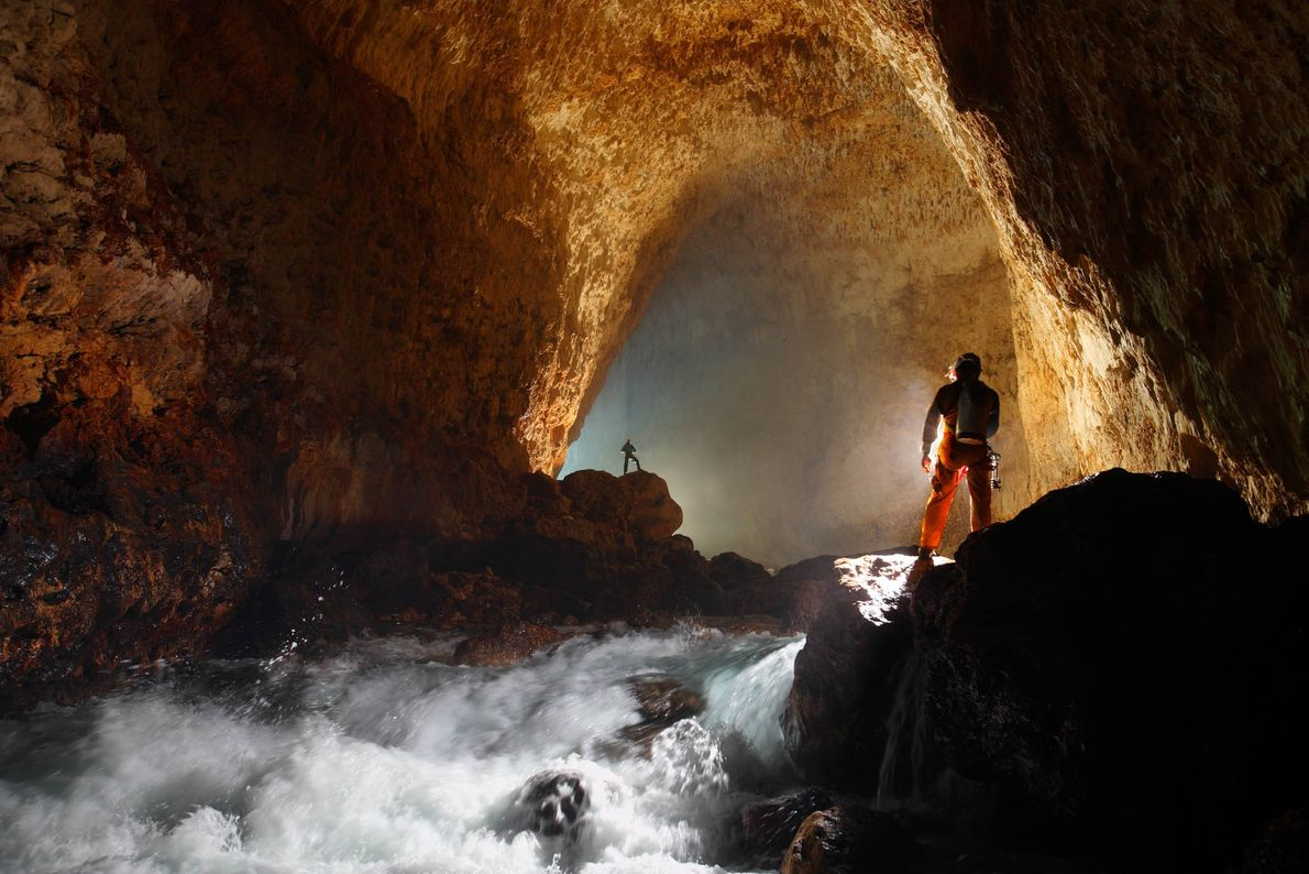 Höhlenkletterer