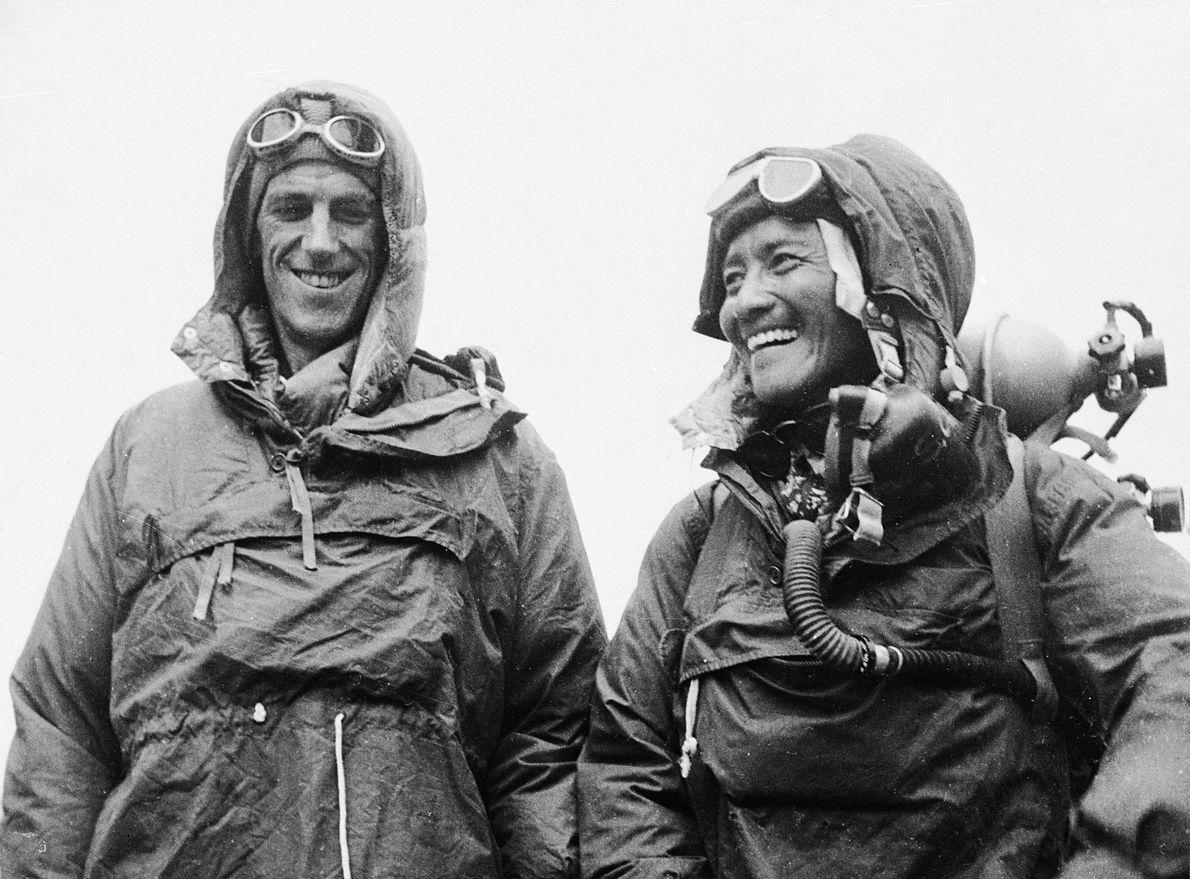 Die ersten Menschen auf dem Dach der Welt waren Edmund Hillary und Tenzing Norgay. Sie lachten ...
