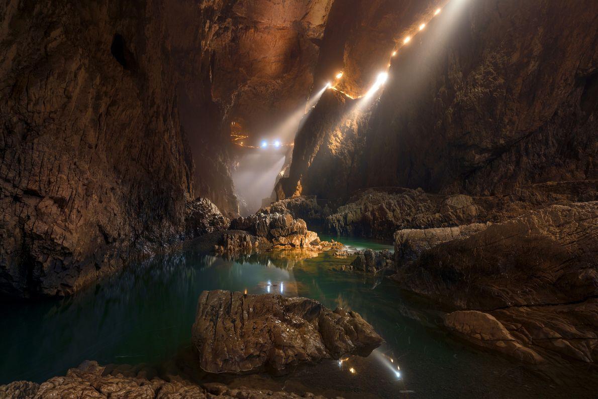 Sehen heißt glauben. Die Höhlen von Škocjan sind Teil des UNESCO-Welterbes und befinden sich unter im ...