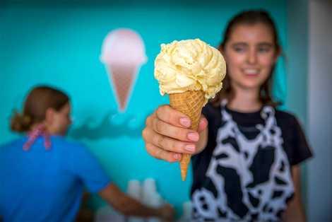 Die Beachconers Microcreamery bietet ausgefallene Eissorten wie Pfirsich-Kardamom oder Avocado an.