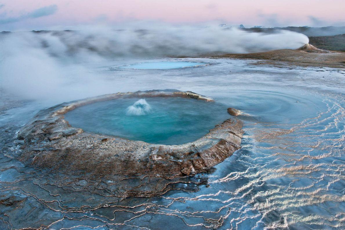 Gletscher, Lavafelder und heiße Quellen