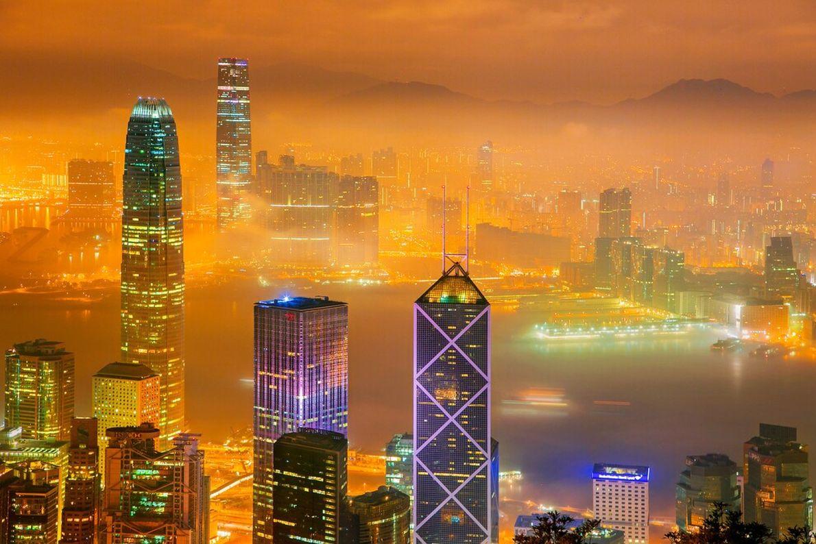 VICTORIA HARBOR, HONGKONG