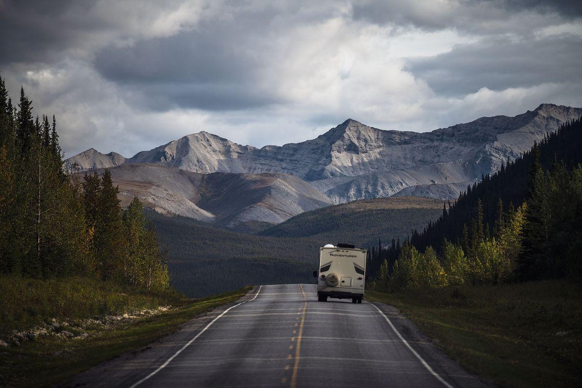 ROADTRIPS  Weltweit eignen sich nur wenige Orte besser für Roadtrips als British Columbia mit seinen endlosen, breiten ...
