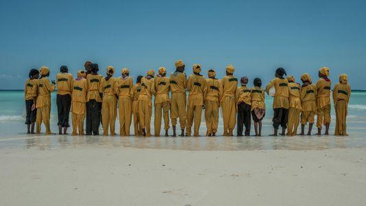 """Galerie: Auf """"Burkini Island"""" können die Frauen und Mädchen Sansibars endlich Schwimmen lernen"""