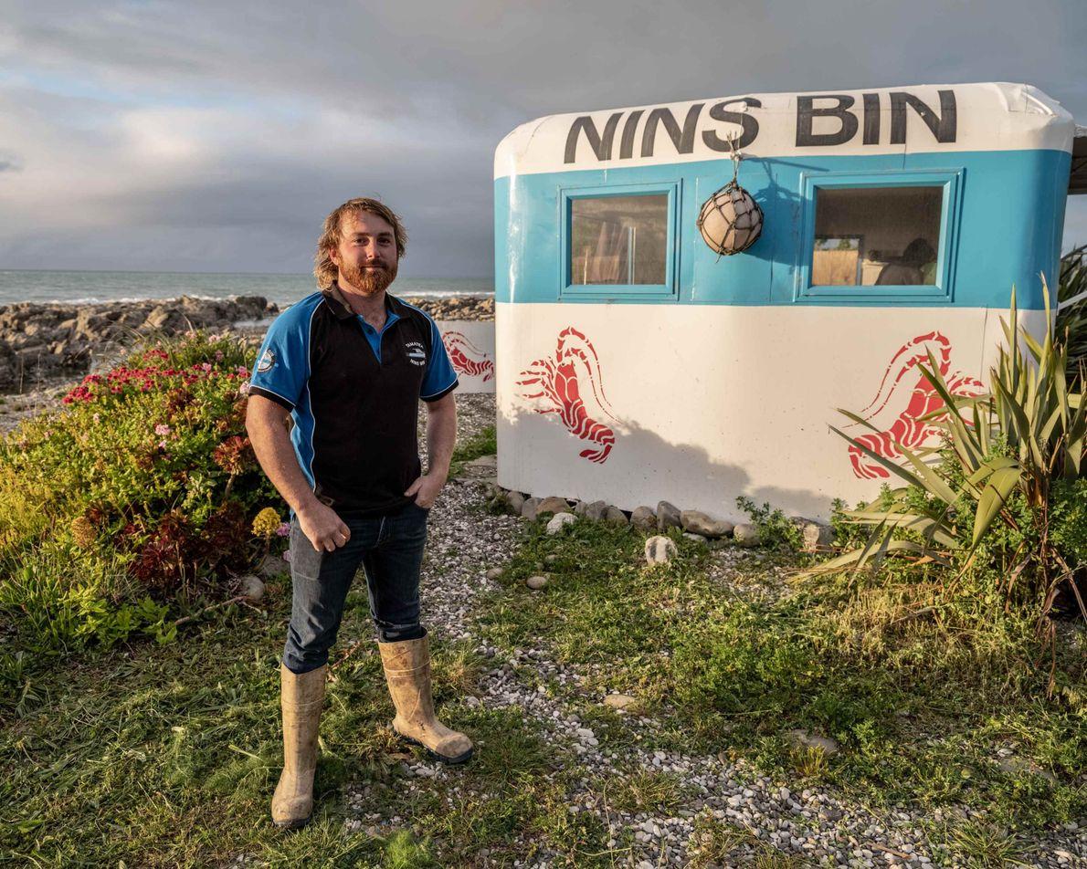 Johnny Clark, Eigentümer des beliebten Imbisses Nin's Bin, serviert Touristen und Einheimischen gerne den echten Geschmack ...