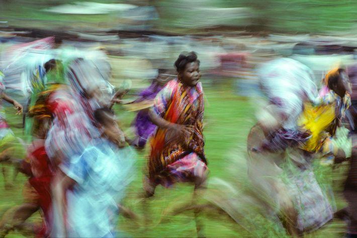 «Dieser Moment bei einem Dorffest auf Sansibar symbolisiert fast zeitlos die Intensität Afrikas», sagt Gewinner Ekkehard ...