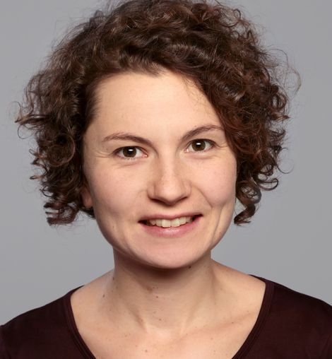 Nadine Biehler beschäftigt sich bei der Stiftung Wissenschaft und Politik mit Migration und Entwicklungszusammenarbeit.