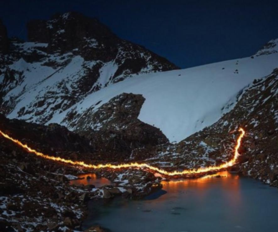 Ein Bild von Eis und Feuer: Fotograf verbildlicht Gletscherschmelze