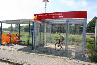 Busstation mit Pedelec-Garage