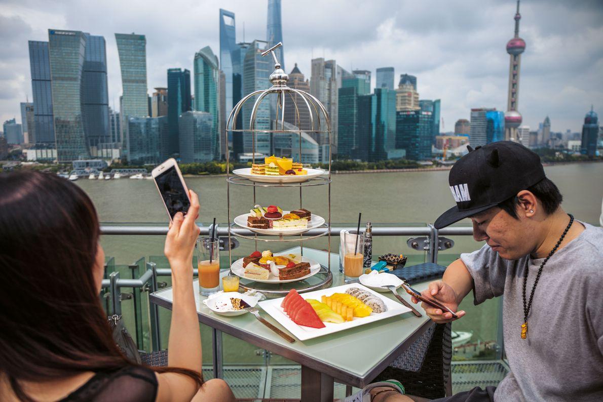 Paar in einem Shanghaier Luxushotel
