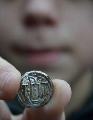 Eine der unter der Herrschaft von Harald Blauzahn geprägten Münzen.