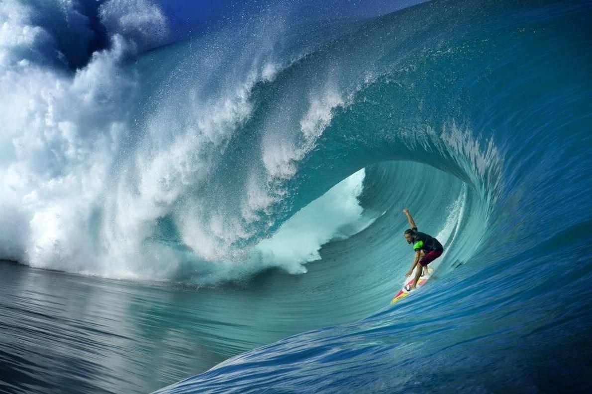Die Pazifikinsel Teahupoo, die zu Tahiti gehört, ist für ihre riesigen Wellen bekannt und gilt als ...
