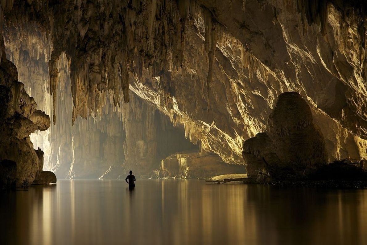 Fluss in Höhle