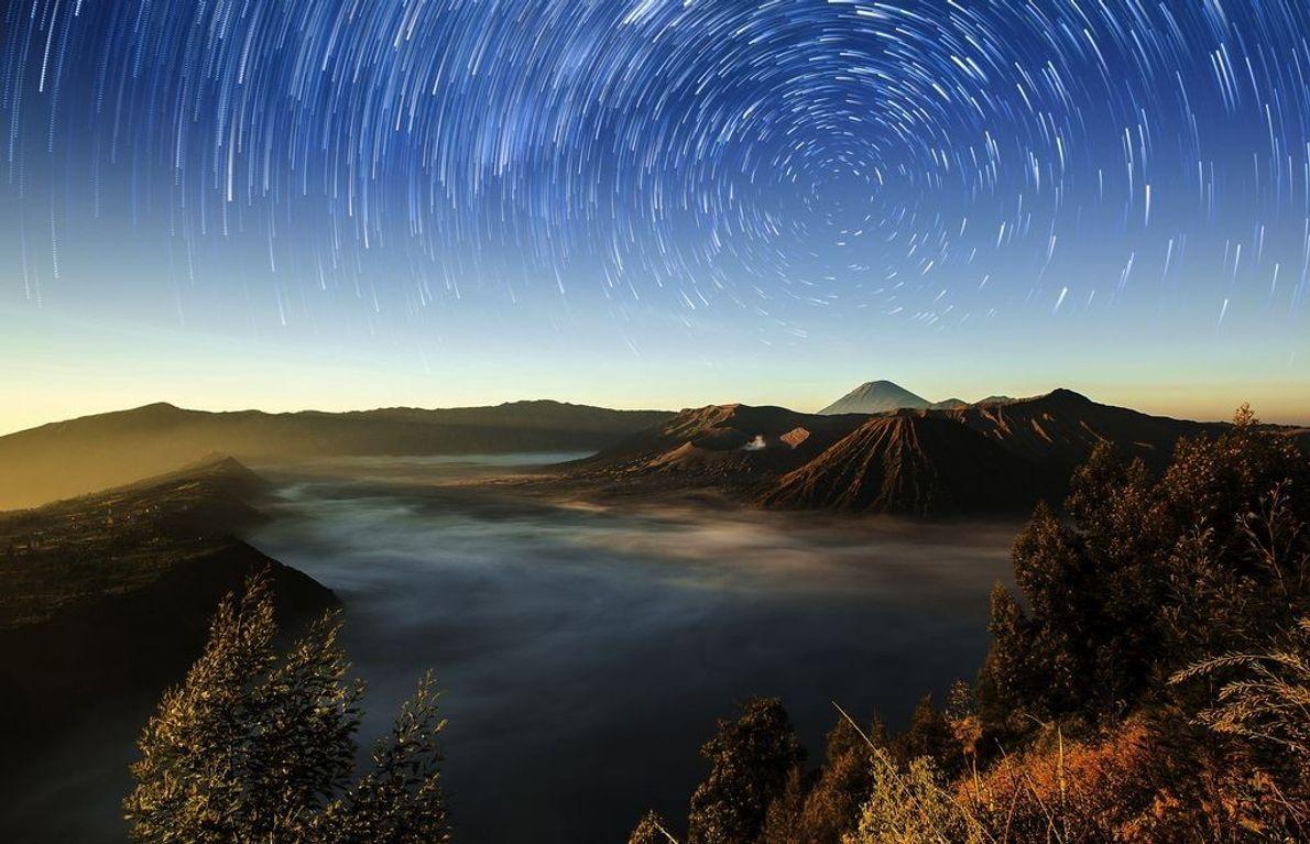 Sterne über dem Bromo