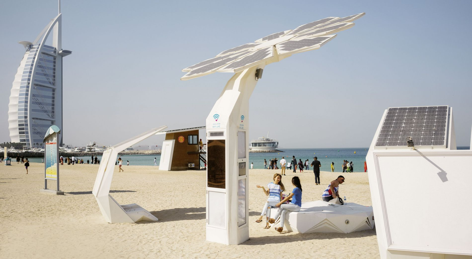 """Smart Palm"" am Strand von Jumeirah"