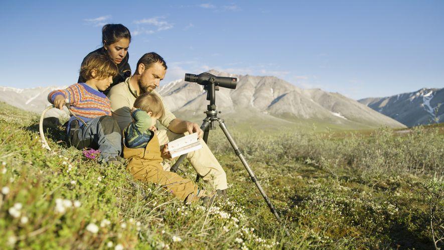 Florian Schulz mit seiner Frau Emil und den Söhnen Nanuk und Silvan im Arctic National Wildlife Refuge.