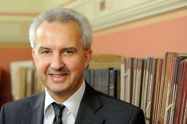 Prof. Reinhard F. Hüttl ist Wissenschaftlicher Vorstand des Helmholtz-Zentrums Potsdam – Deutsches GeoForschungsZentrum GFZ.
