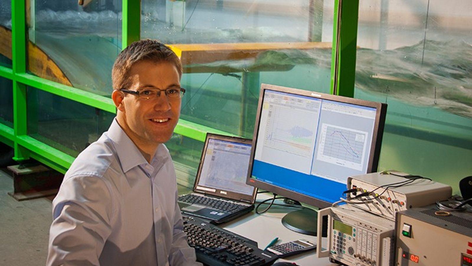 Der Ingenieur Jan Peckolt will eine effiziente Wellenenergieanlage bauen. In zweieinhalb Jahren, so kalkuliert er, könnte ...