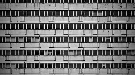 Lange galten sie als die hässlichsten Häuser der Welt – Plattenbauten.