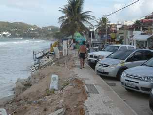 Erosion in Ponta Negra, Brasilien: Wenn Strände für die Bauindustrie leergebaggert werden, drohen dramatische Konsequenzen für ...