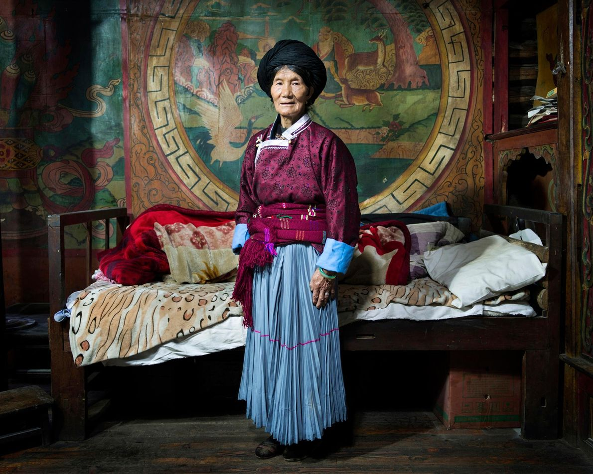 Libi Lamu, 70, in Schlafzimmer