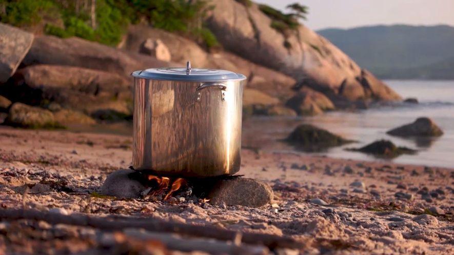 Am La Bloc Beach im Cape-Breton-Highlands-Nationalpark könnt ihr lernen, wie man Hummer kocht.