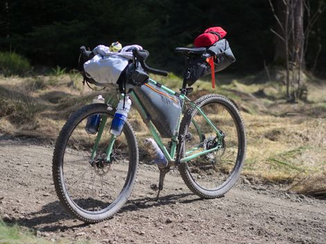 """Lukas' """"Salsa Fargo"""". Ein klassisches Bikepackingrad mit abgestimmten Taschen."""