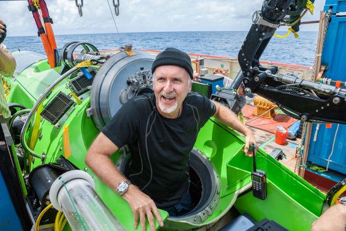 James Cameron auf einem Boot