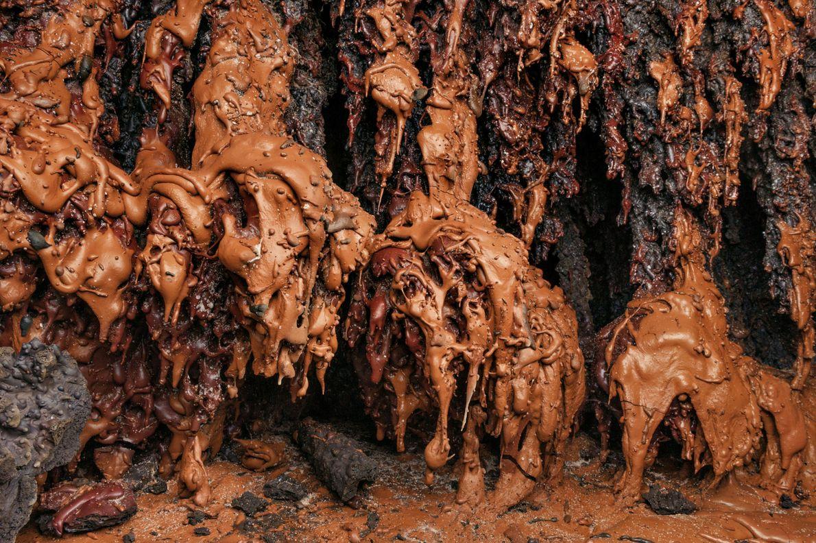 """Die Wände in der Manu-Nui-Höhle sehen aus wie die Filmkulisse von """"Charlie und die Schokoladenfabrik"""" – ..."""