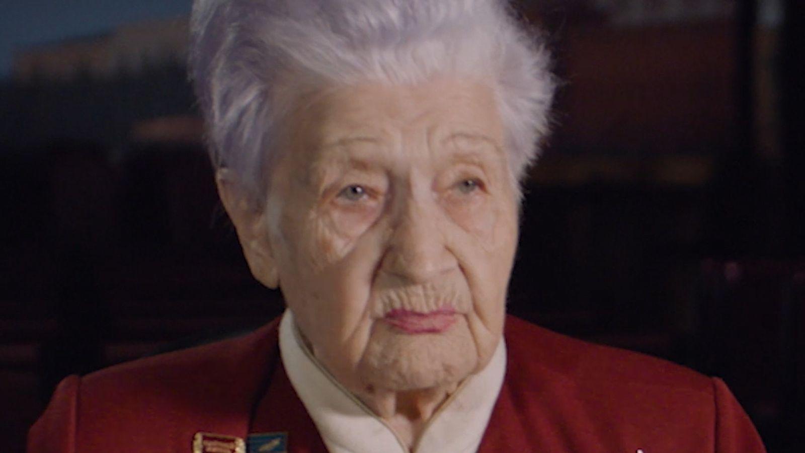 MARIA ROCHLINA. Sowjetische Sanitäterin.