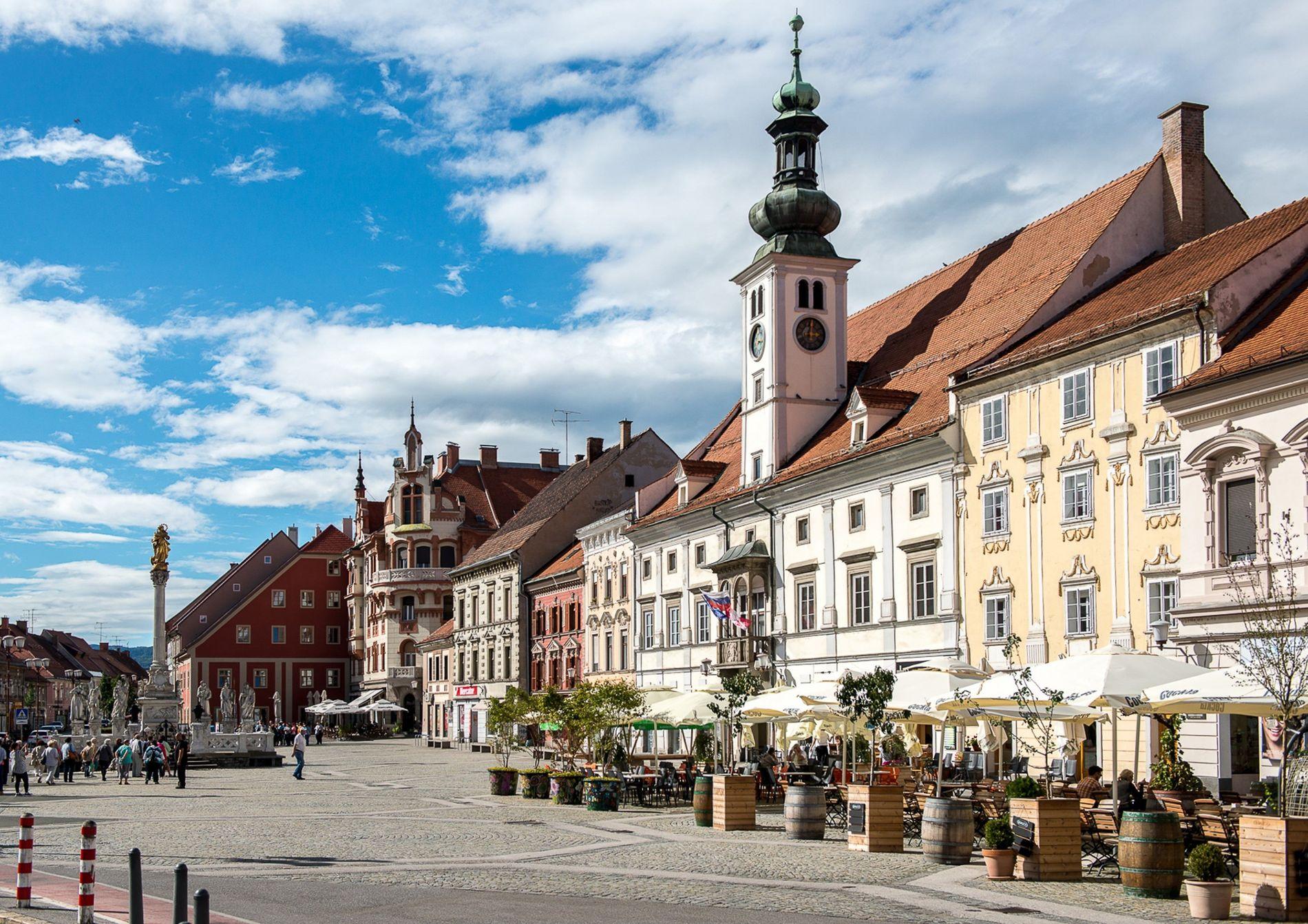 Bei einem Spaziergang durch die Nebenstraßen und Gassen wirkt der Charme der mittelalterlichen Stadt Maribor ganz ...