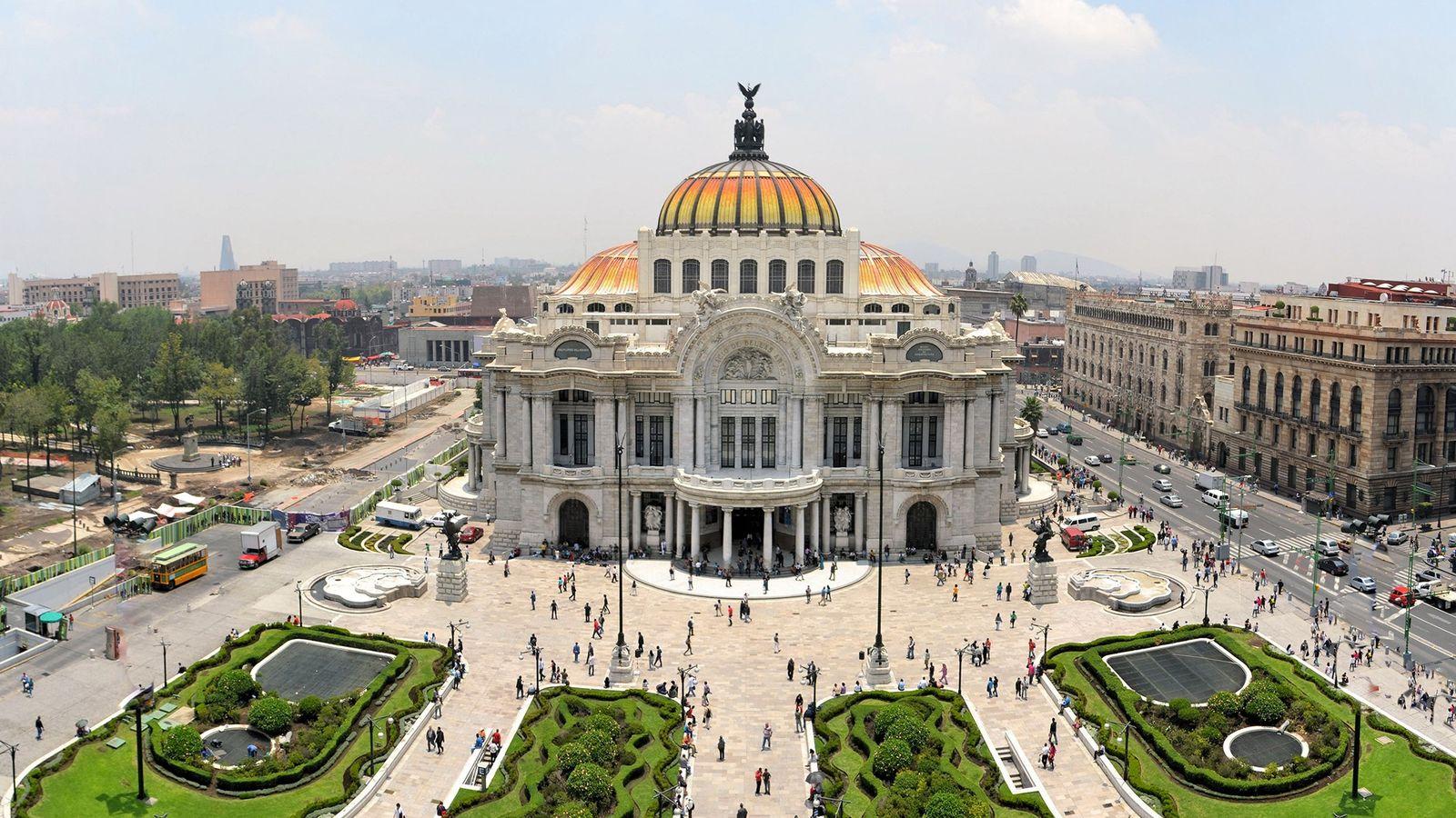 Der Palacio de Bellas Artes liegt im historischen Teil von Mexiko-Stadt. In der Metropole setzen sich ...