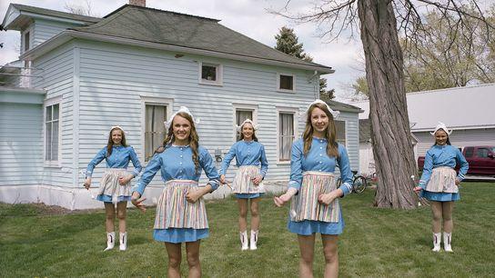 Mädchen in niederländischer Tracht