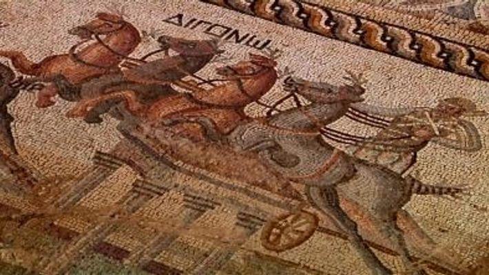 Seltenes 2.000 Jahre altes Pferderennen-Mosaik entdeckt