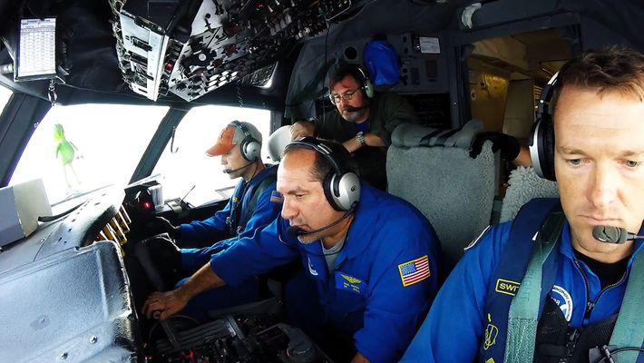 Piloten fliegen zu Forschungszwecken in Hurrikan Irma