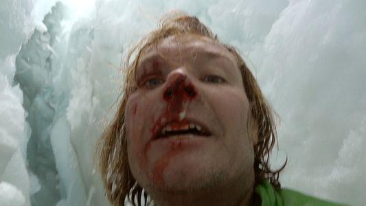 Wissenschaftler stürzt 20 Meter in eine Gletscherspalte – und kämpft sich wieder raus