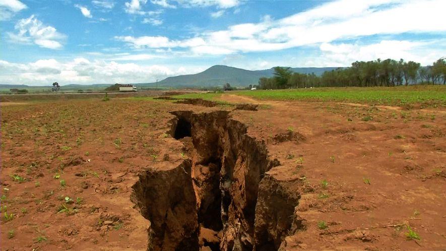 Riss in Kenia verschlang Haus und Straßenabschnitt