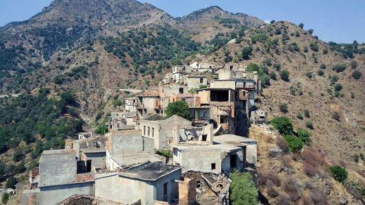 Auf den Spuren einer Geisterstadt in Italien