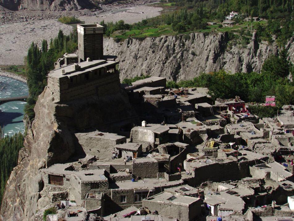 Die mittelalterlichen Festungen des Hunzatals